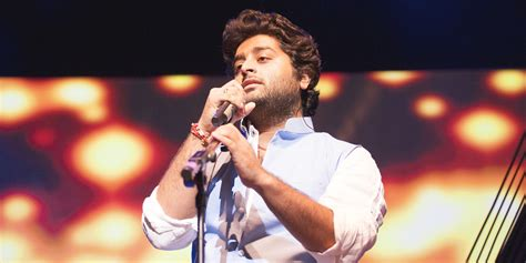 Arijit Singh Apologises To Salman Khan For Apparently