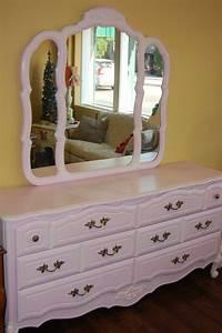 Shabby Chic Dresser : 220 best images about french provincial bedroom on pinterest painted cottage bedroom dressers ~ Sanjose-hotels-ca.com Haus und Dekorationen