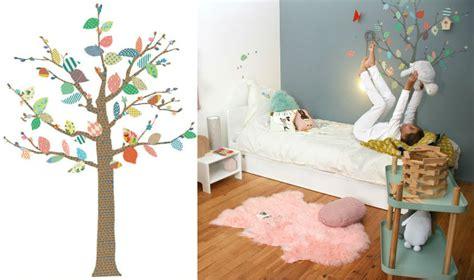 arbre déco chambre bébé dcoration chambre bebe stickers enfant lapins originaux