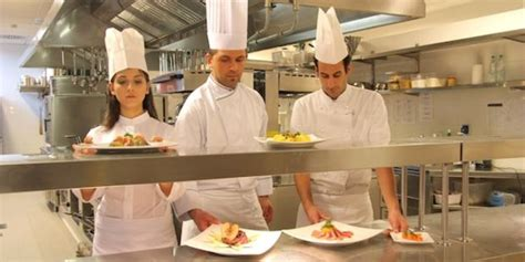 cuisine collective recrutement la restauration collective recrutera 20 000 salariés en 2015 néo restauration emploi