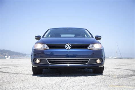 New Volkswagen Electric Car Concept And Jetta Hybrid