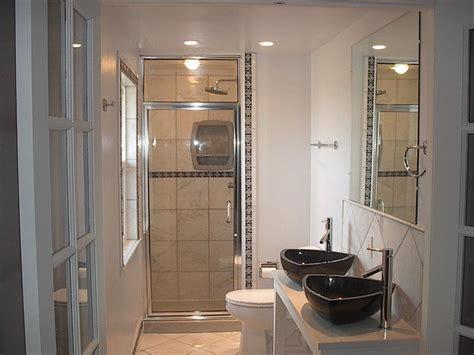 21 Simply Amazing Small Bathroom Designs