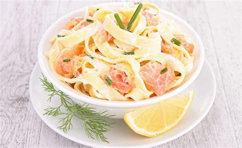 la cuisine de dudemaine recette de salade de pâtes pappardelles au saumon fumé et
