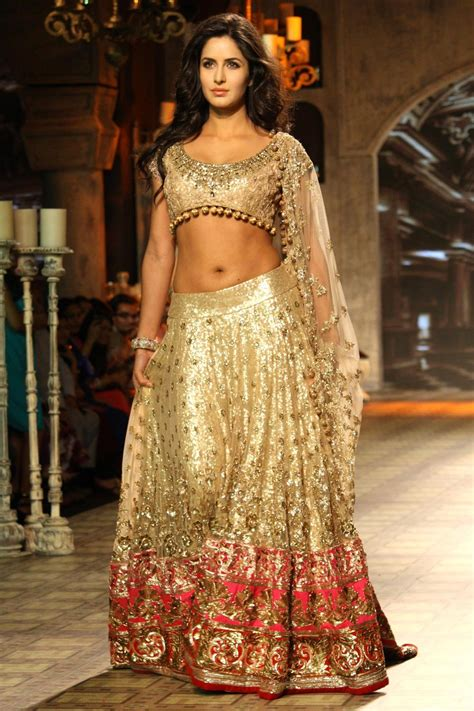 bollywood actress wedding lehenga katrina kaif cinemaz