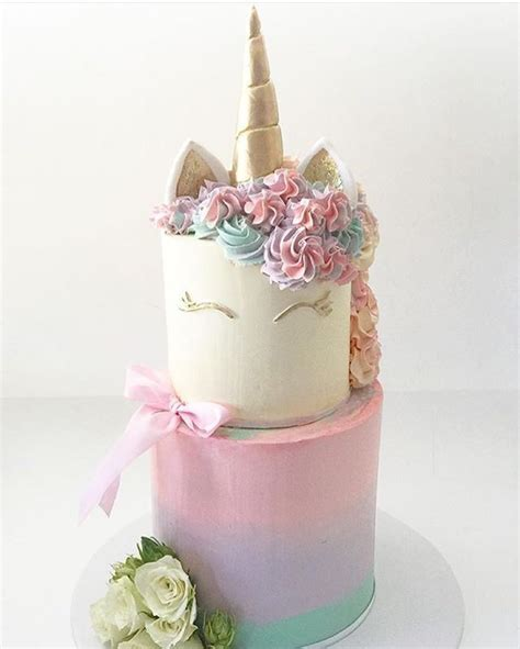 unicorn cake ideas 17 best ideas about unicorn cakes on unicorn