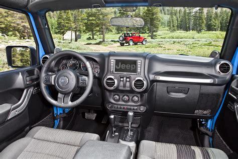 interior jeep wrangler 2012 jeep wrangler gets 3 6 liter pentastar v6 with 285
