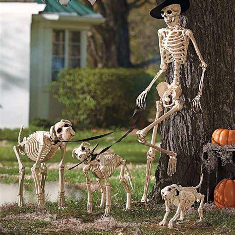 Décorer Son Jardin Avec Un Squelette Halloween