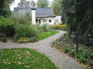 Wege Im Garten : gartenweg wege im garten anlegen planung gestaltung der ~ Lizthompson.info Haus und Dekorationen