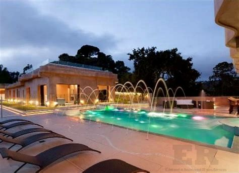 12 Million Are About To Rihanna 12 Million Dollar Pacific Palisades Mansion 2