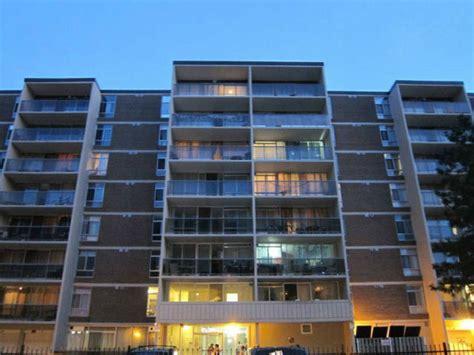 Beautiful & Spacious Renovated Large 2 Bedroom Apartment