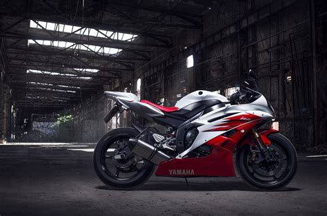 Yamaha R1 Motorcycle Desktop Wallpapers