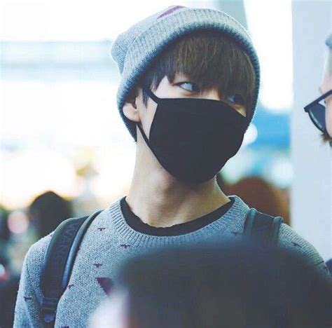 taehyung im telling      mask