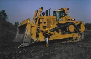 cat d11 rescuing a d11 cat