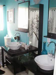 Purple bathroom decor pictures ideas tips from hgtv hgtv for Dark purple bathrooms