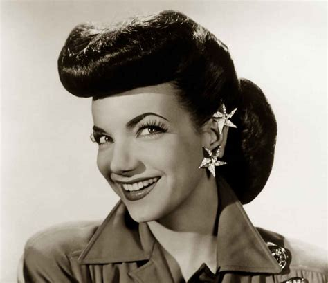 1940s Wartime Hairstyles by 1940s Hairstyles Memorable Pompadours Daze