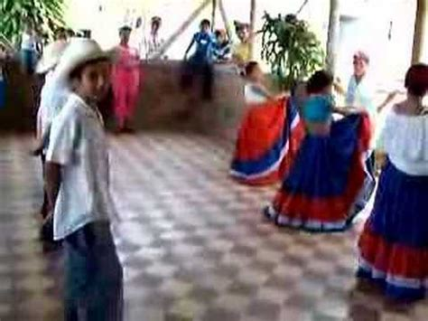 Popular colombian songs have their roots in the blending of african, indigenous and spanish influences. Colombia Dance Performance - YouTube