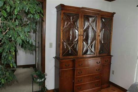 craigslist china cabinet 17 best images about china cabinets on