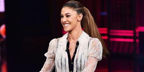 La bella showgirl argentina, ex fidanzata del motociclista andrea iannone, ha infatti. Bélen Rodriguez, quattrocchi sensuale a Ibiza con gli ...