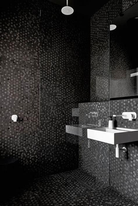 article de cuisine salle de bain avec mosaique