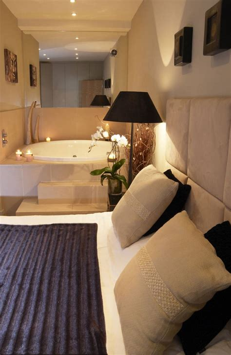 Hotels With In Room Jacuzzi  Eccentric Hotels. Rooms To Go Sofa Sets. Memorial Decorations. Decorative Pillow. Wall Decor Living Room. Decorating Bedroom. Living Room Ottoman Coffee Table. Diy Room Dividers. Dining Room Table With Bench Seat
