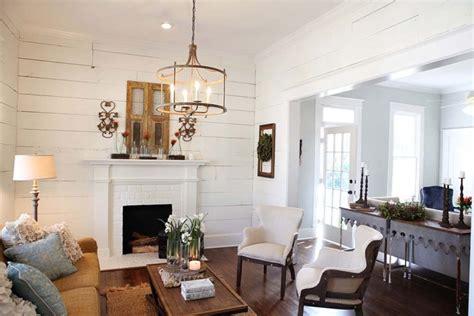 a livingroom hush chip and joanna gaines of magnolia homes a waco
