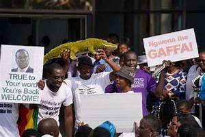 Zimbabwe coup latest news: Robert Mugabe REPLACED ...
