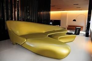 canape design futuriste With meubles de salon roche bobois 10 canape de salon design 48 idees par les top concepteurs