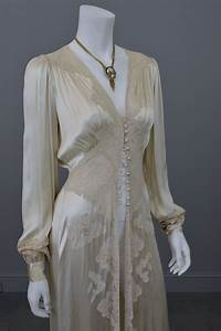 1930s vintage silk and lace robe deco negligee robe With vintage robe