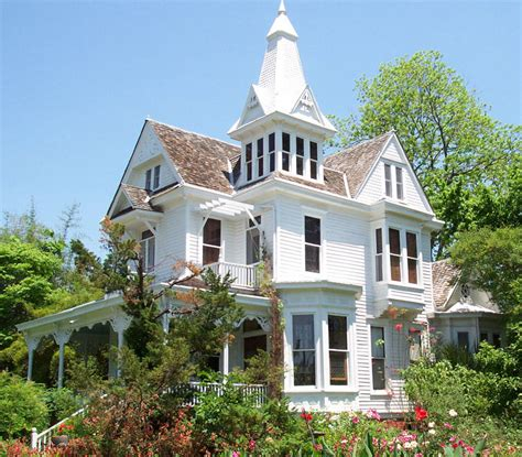 victorian style home ideas queen anne victorian and queen