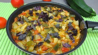 cuisine artichaut cuisson artichauts en ratatouille supertoinette la cuisine facile