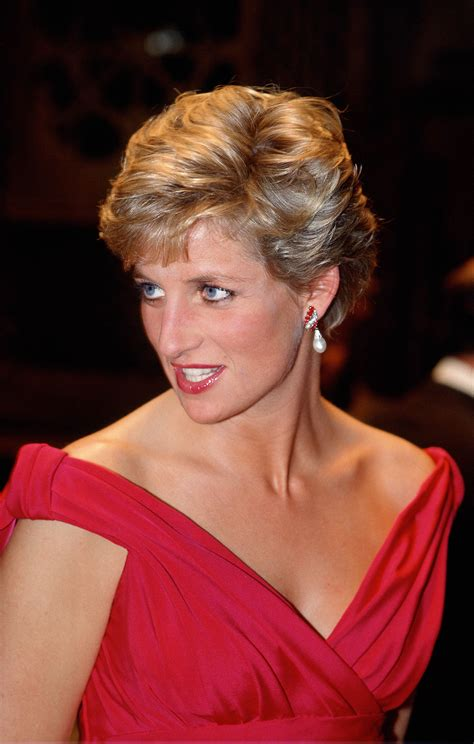 princess diana princess diana honored with new statue on 20th anniversary