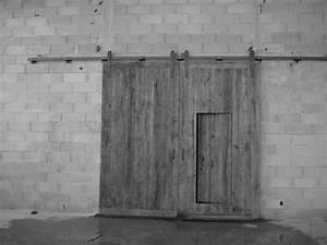 Portail Coulissant Sur Rail : portail a lames en vieux chene montage sur rail ~ Edinachiropracticcenter.com Idées de Décoration