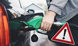 Is it be dangerous to fill up your petrol tank in hot ...