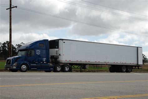 volvo 18 wheeler trucks volvo big rig truck 18 wheeler flickr photo sharing