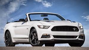Ford Mustang Convertible News and Reviews | Motor1.com