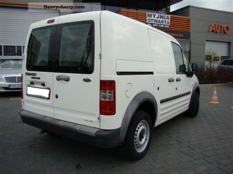Ford Transit Connect 2006 Box-type Delivery Van Photo And
