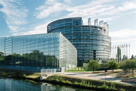 canapé occasion strasbourg le parc de l 39 orangerie et le parlement européen