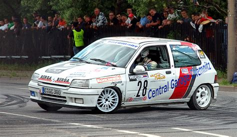 renault clio rally car file saxony rally racing renault clio williams 28 aka