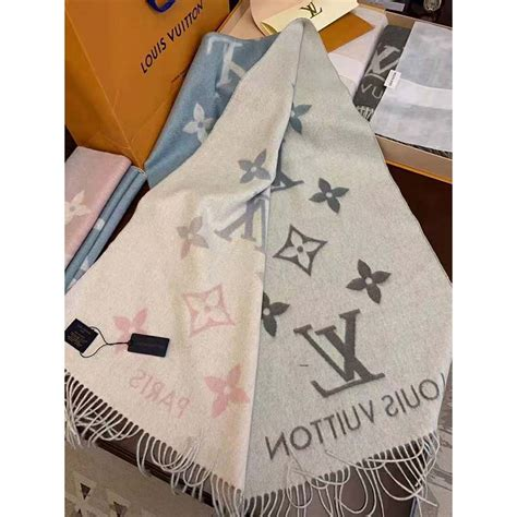 louis vuitton lv women reykjavik gradient cashmere scarf  iconic monogram blue lulux