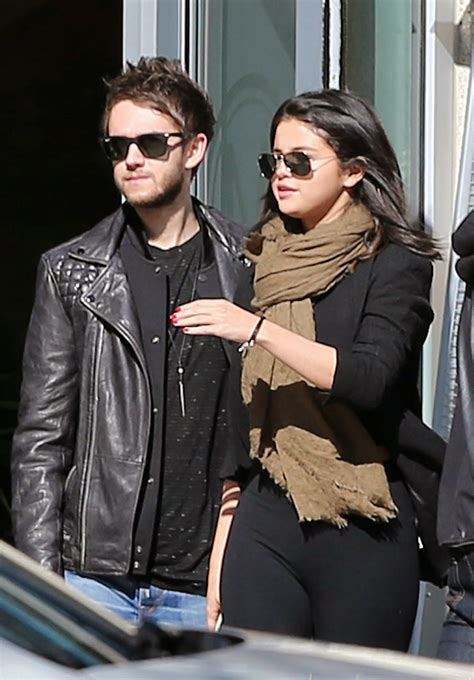 Top Celebrity: Selena Gomez theme dedicated to DJ Zedd and ...