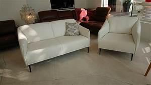 Salon Cuir Blanc : petit canap et fauteuil cuir blanc pleine fleur pour petits espaces ~ Teatrodelosmanantiales.com Idées de Décoration