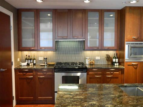 Decorating Ideas For Kitchen Doors by How To Decorate Kitchen Cabinets With Glass Doors Sofa Cope