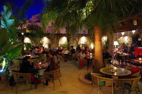 cave  vin picture  hotel la casa del califa hotel