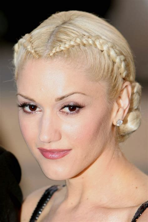 gwen stefani s hairstyles hair colors steal her style