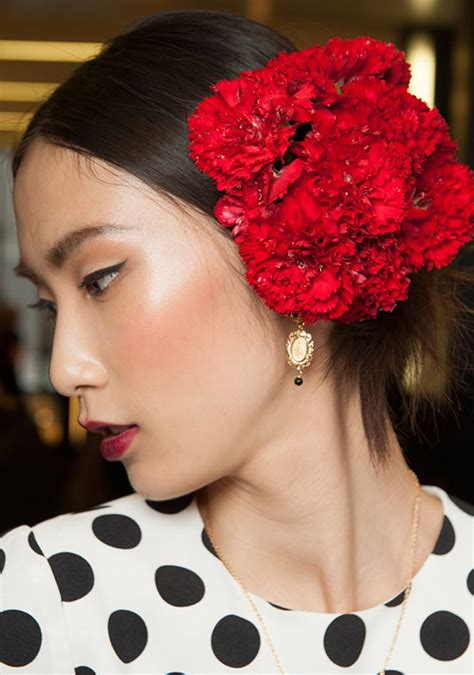 runway beauty spanish red lips  dolce gabbana springsummer  makeup  life