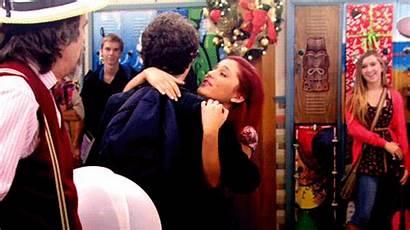 Cat Robbie Ariana Valentine Victorious Grande Kissing
