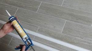 Styropor Deckenplatten Holzoptik : styropor deckenleisten im badezimmer anbringen youtube ~ Orissabook.com Haus und Dekorationen