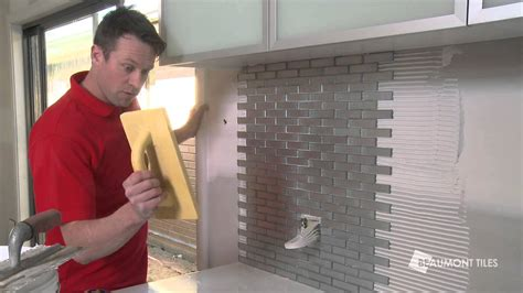 how to tile kitchen splashback how to tile a splashback diy tiling made easy 7369