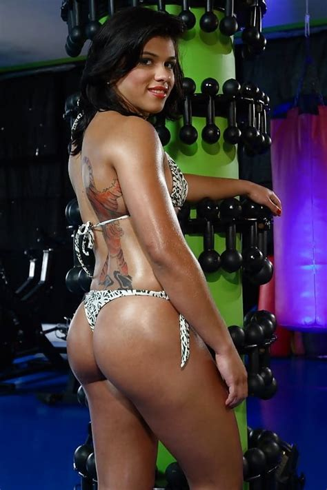 ufc claudia gadelha need to have so nude leaks out 3 pics