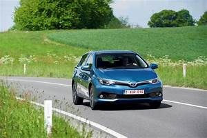 Fiabilité Toyota Auris Hybride : toyota auris hsd 2015 prix et caract ristiques de l 39 auris hybride photo 5 l 39 argus ~ Gottalentnigeria.com Avis de Voitures